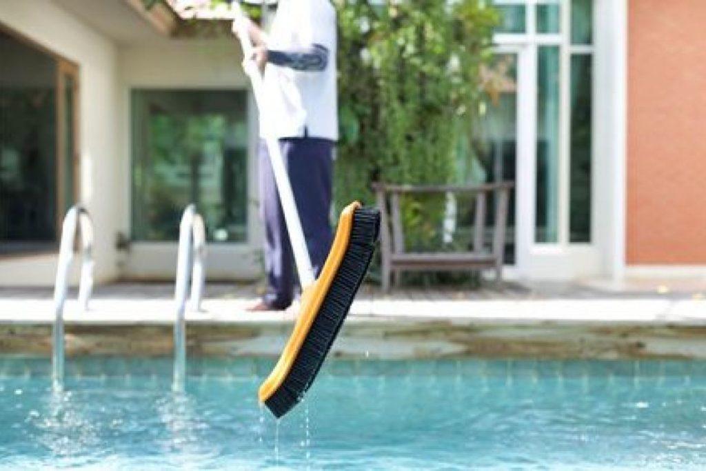 nettoyer sa piscine